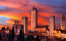 Vip Siena and San Gimignano by Night with Dinner